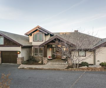 3263 NW Fairway Heights Drive, Bend, OR 97701