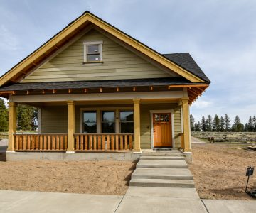 1006 E Black Butte Avenue, Sisters, OR 97759