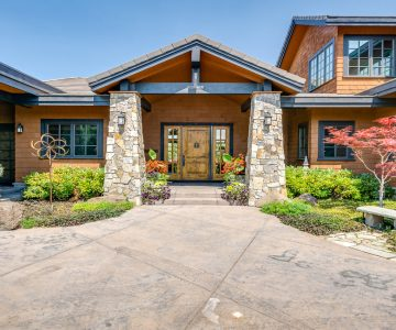 22884 Moss Rock Drive, Bend, OR 97701