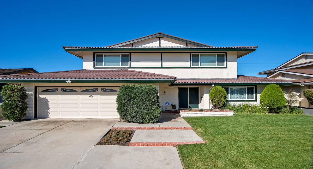 16351 Gentry Lane, Huntington Beach, CA 92647 Image #1