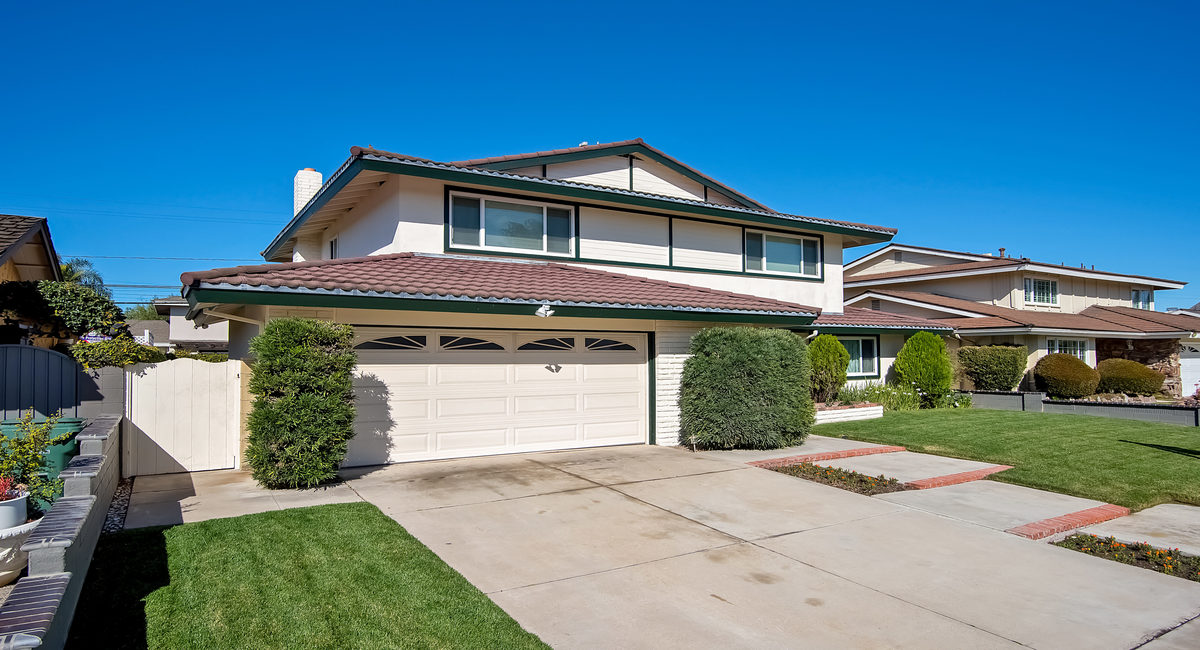 16351 Gentry Lane, Huntington Beach, CA 92647 Image #2