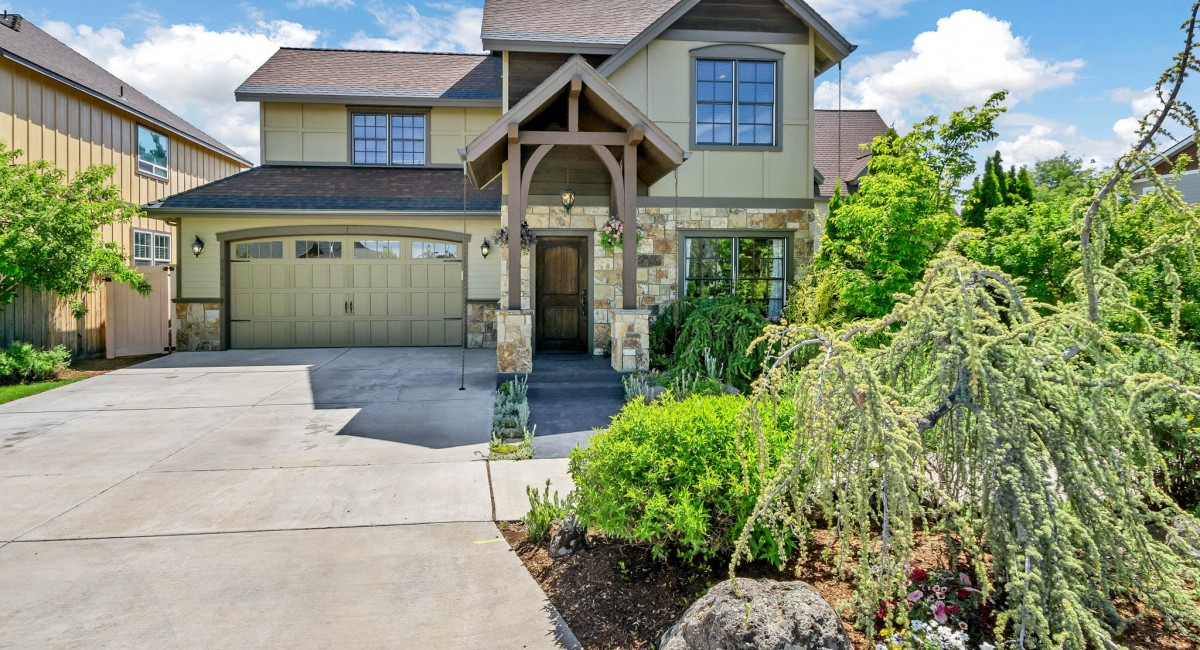 61760 Darla Place, Bend, OR 97701 Image #1