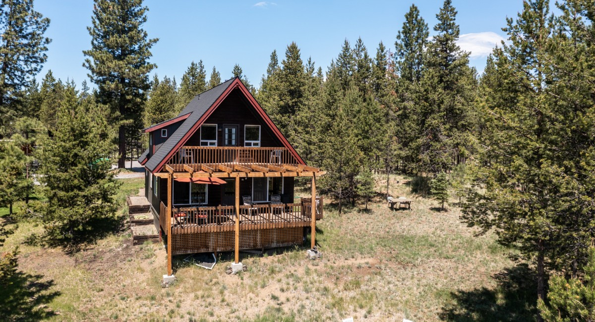 56572 Meteor Drive, Bend, OR 97707 Image #1